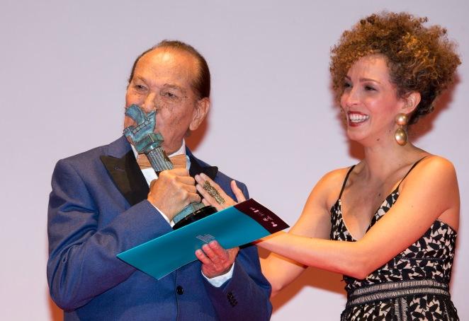 HUELVA , 17/11/15 HUELVA - JOSE TORRES recibe el premio del Festival de Cine Iberoamericano de Huelva CIUDAD DE HUELVA . Foto: FESTIVAL DE CINE IBEROAMERICANO , ALBERTO DIAZ