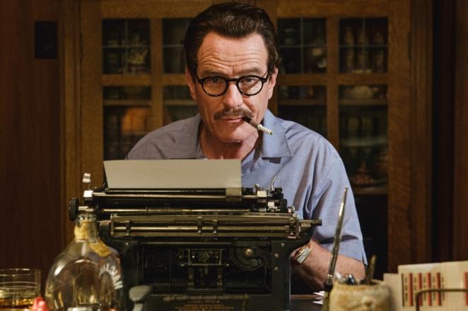 BRYAN CRANSTON da vida a un guionista en TRUMBO, uno de los trabajos que se perfila como favoristos de cara al Óscar
